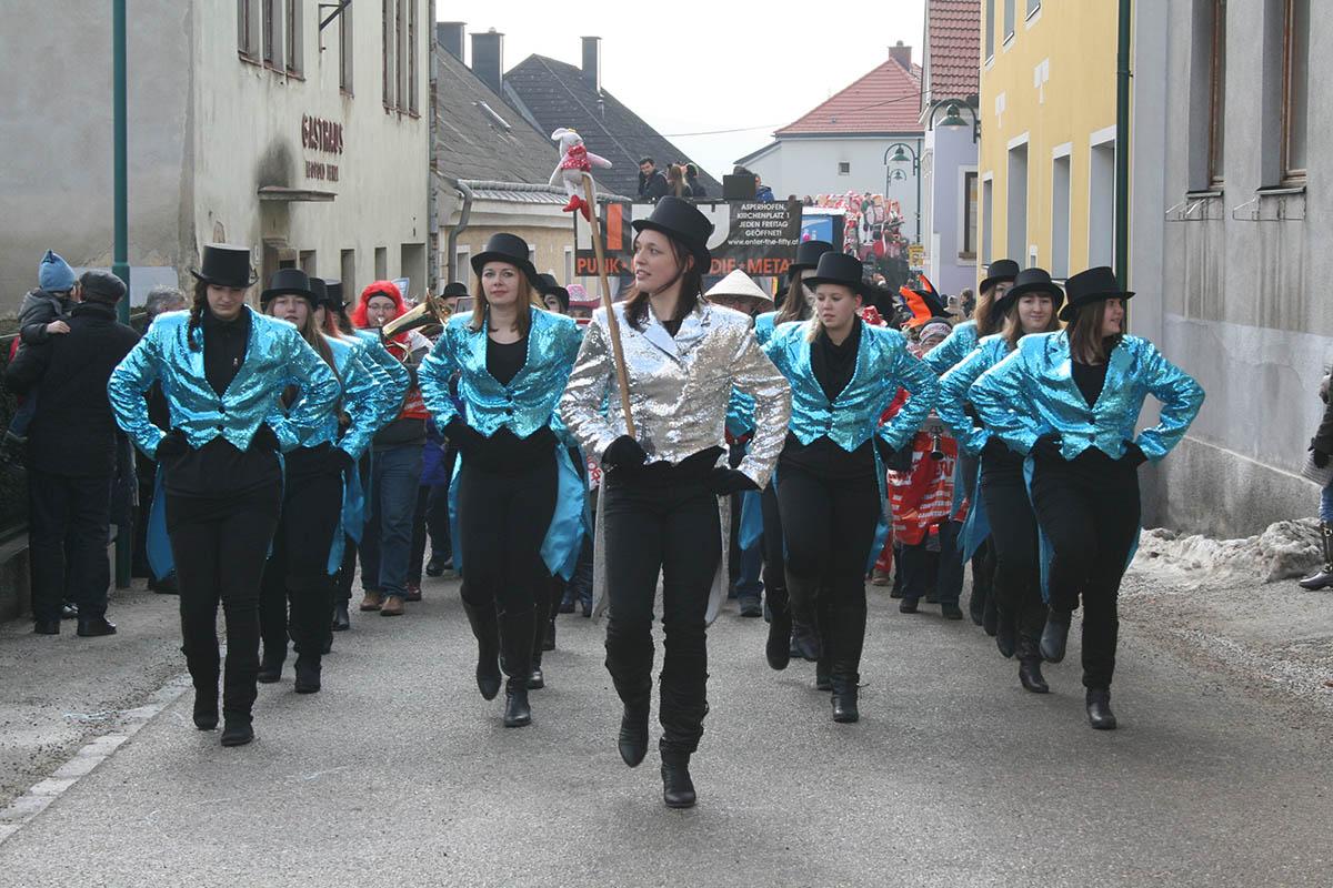 Gschnas & Faschingsumzug 2015